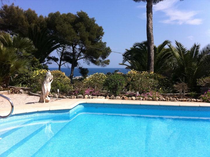 Villa vue mer piscine privée proche plage
