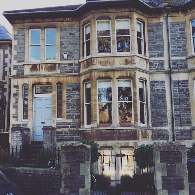Classic Bristol townhouse over three floors overlooking St Andrews Park.