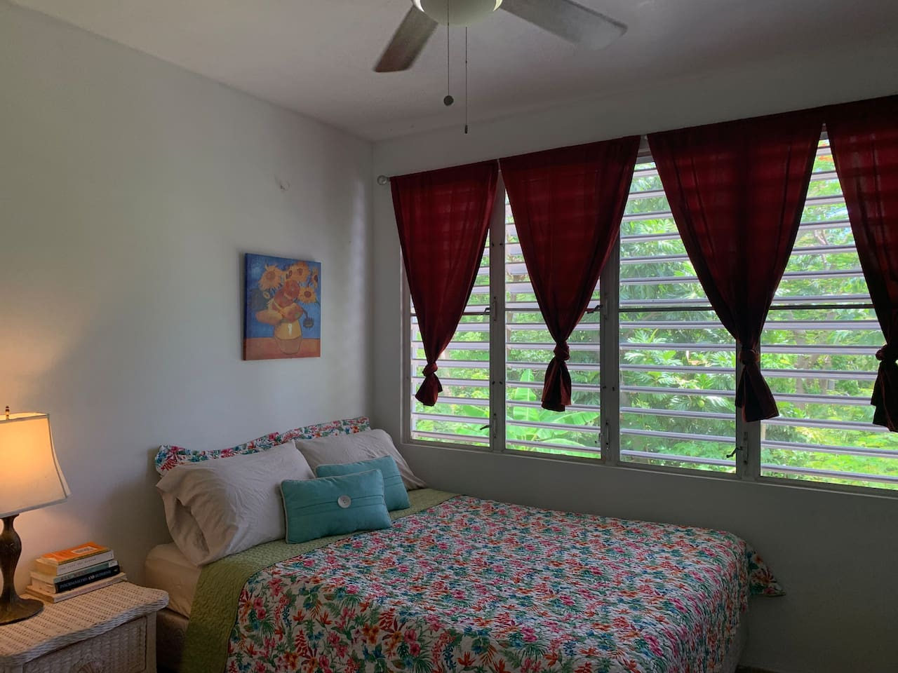 Comfy Queen size bed for 2 with great views