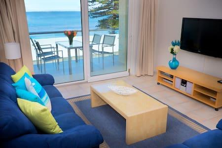 Oceanview Beach Apartment - Lejlighed