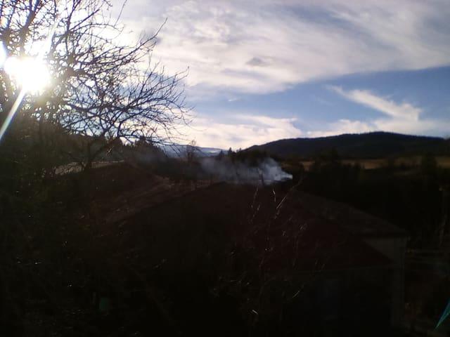 Au hameau Cathare - Rodome - Ev