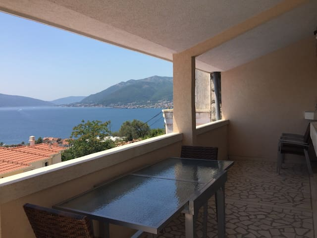Modern Apartment in Tivat with a Beautiful View.