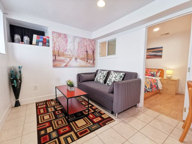 761L - Cozy Ground Floor Unit w/ Parking & Laundry