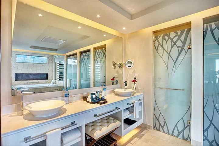 Gorgeous Suite Luxury One Bedroom At Riviera Maya Norte