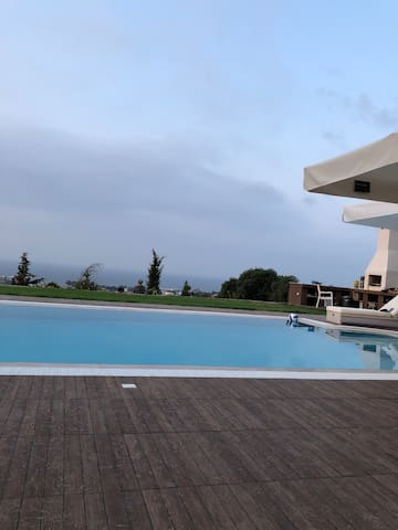 4 rooms for 8 person Villa with pool