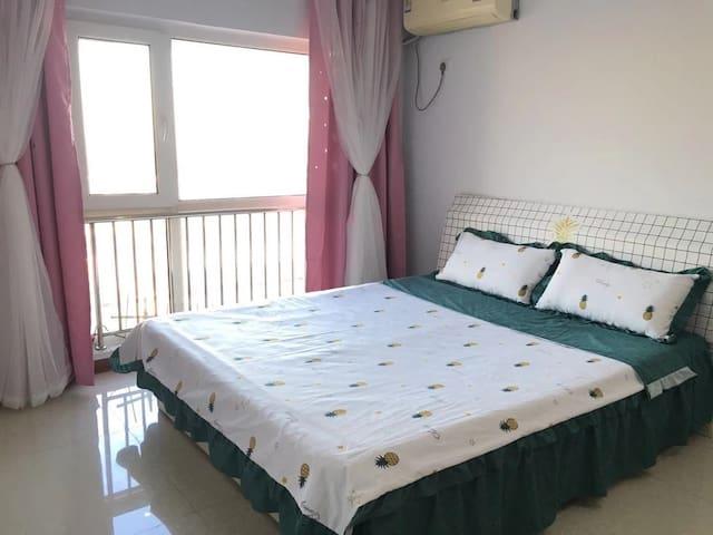 爱琴海 蜜果ins风北欧小清新 观景一居公寓大床房