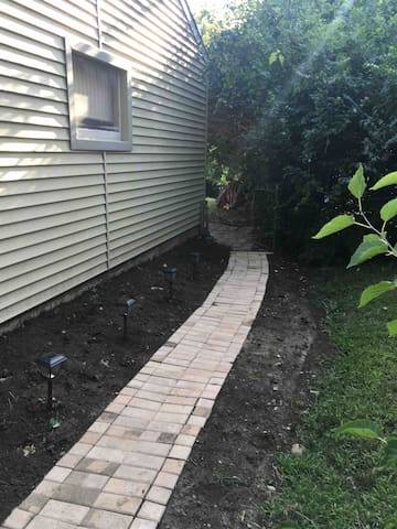 Pathway at side of house