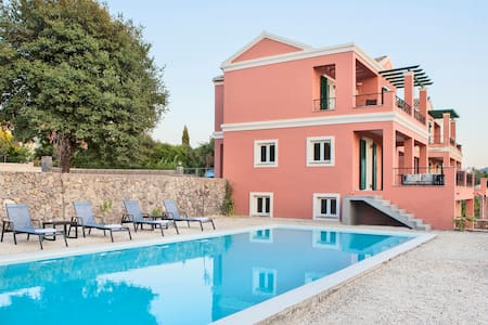 Villa with Private Pool in Corfu - Agios Ioannis