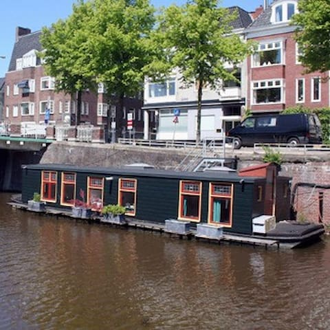 Charming little houseboat in center - Groningen - Båt