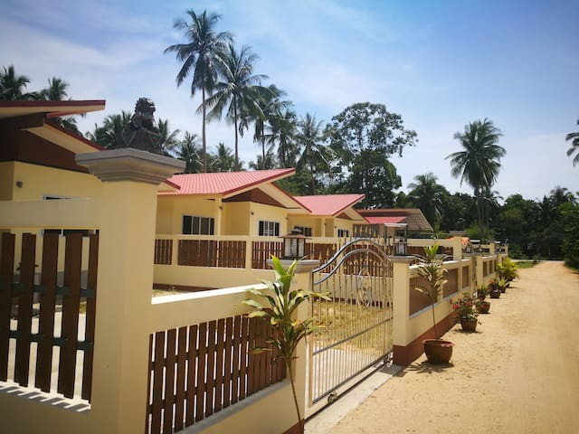 84/9 Srifa Resort, 2 Bedroom House, Lipa Noi Beach