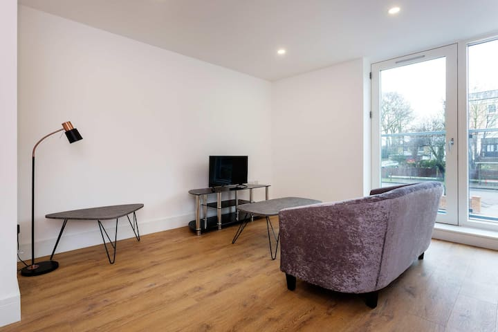 Beautiful 2 BR Stay In Clapham Home, London