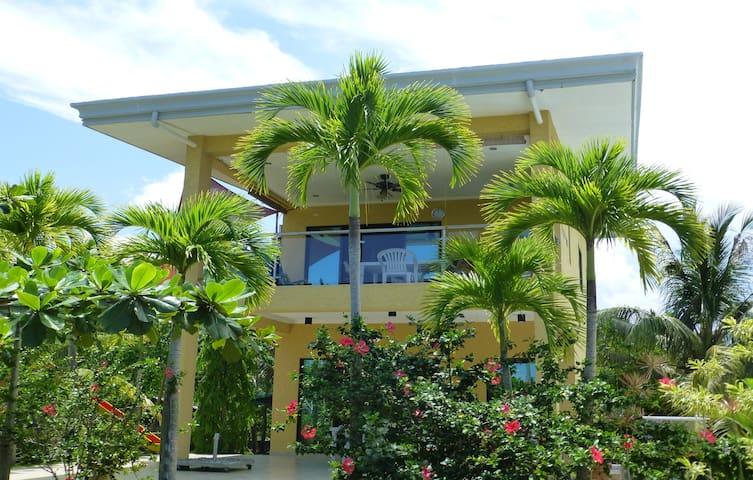 Tropical house, Pool und Meerblick - Bohol - Hus