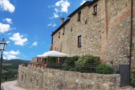 Appartamenti - Castello di Migliano - San Biagio della Valle