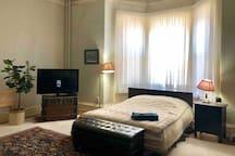 Victorian spacious room Uptown Saint John