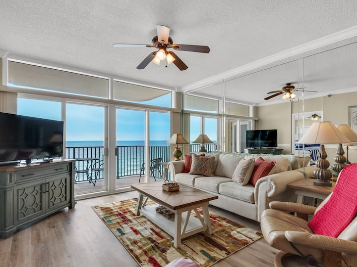 7th Floor, Gorgeous Gulf Views, Beautiful Beach Front Condo with Balcony