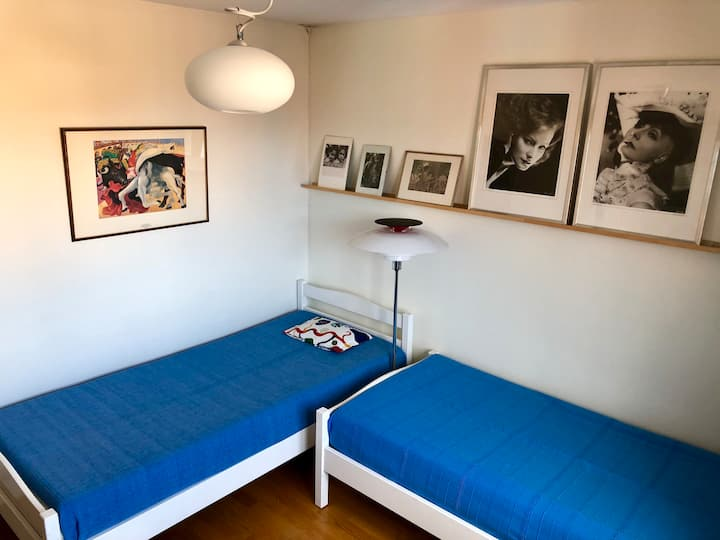 Quiet room with kitchenette in central Stockholm