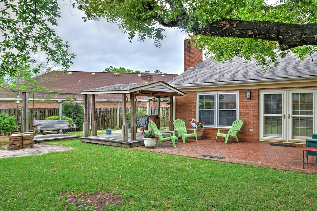 This charming Augusta vacation rental home is the perfect retreat.