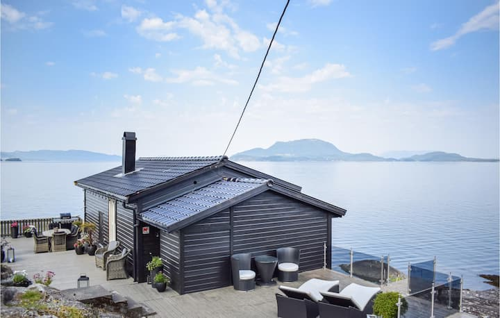 Awesome home in Skånevik with WiFi and 3 Bedrooms