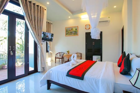 Deluxe Double Room with Rice Field View
