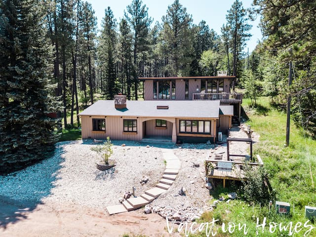 Copper Claim Lodge