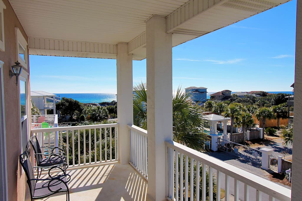 Glimpse the Gulf on the Third Floor Balcony!