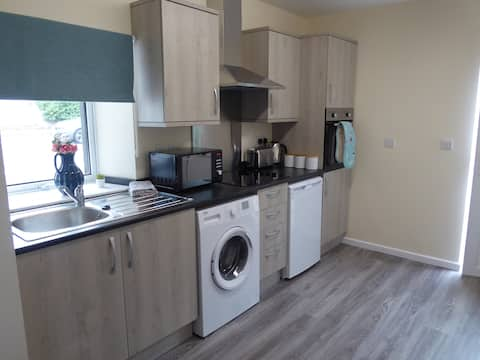 Gwynedd House Flat 3 - Ideal for Friends & Couples