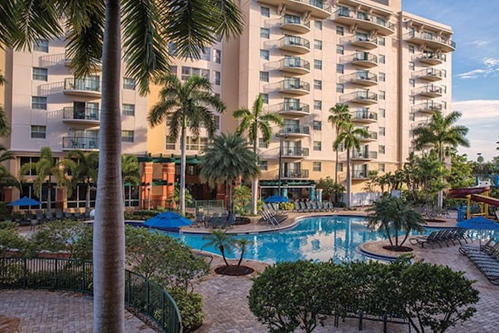 Beautiful Palm Aire 2 Bedroom in Pompano!