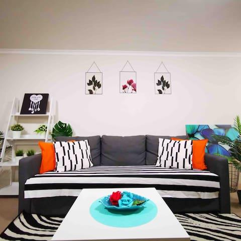 #轻奢优雅舒适之旅# CBD 最核心黄金地带, 整套一室公寓