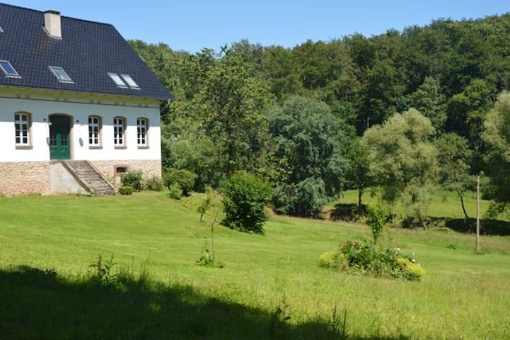 Ruhe Pur im historischen Forsthaus - Nieheim - บ้าน