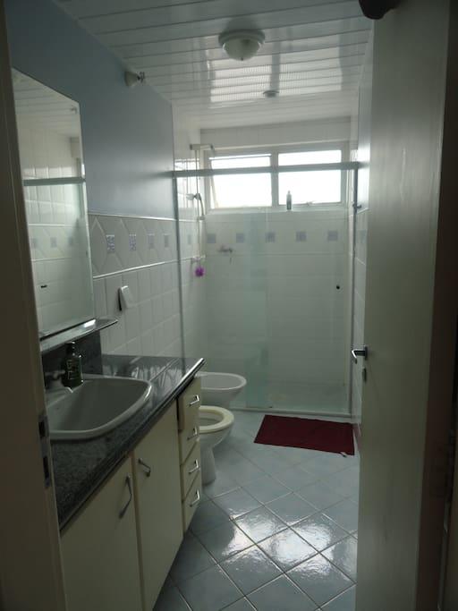 Banheiro do apartamento que será compartilhado