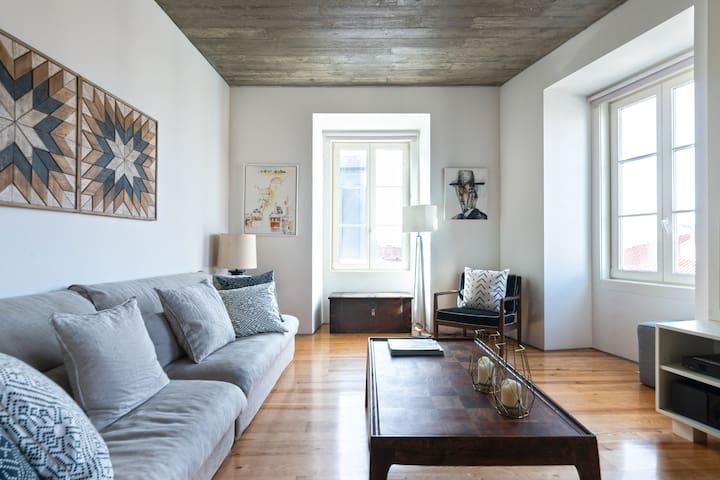 Chiado Luxury Apartment with Amazing Views