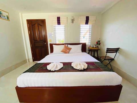Carolina angkor hostel N7 free pick up up&pool