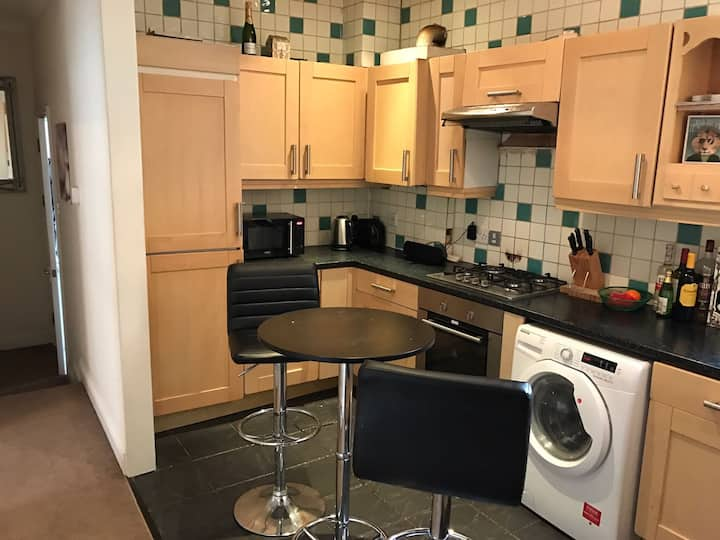 Modern & Cosy Double (en suite) just off upper st