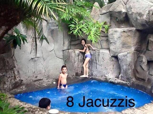 BUNGALOW Log Cabin Fire Place Jacuz - Provincia de Heredia - Chalet