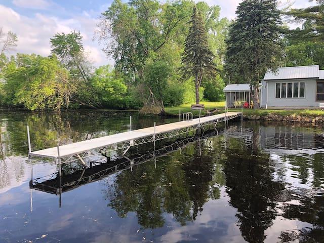 Private Lake House-close to Dells&Castle Rock Lake