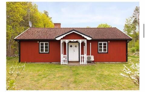 Gezellige en afgelegen hut in Köpingsvik