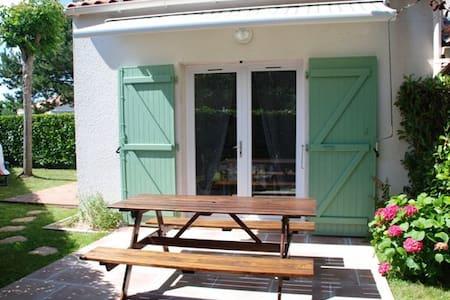 ST VINCENT/JARD MAISON EN RESIDENCE AVEC PISCINE - Saint-Vincent-sur-Jard