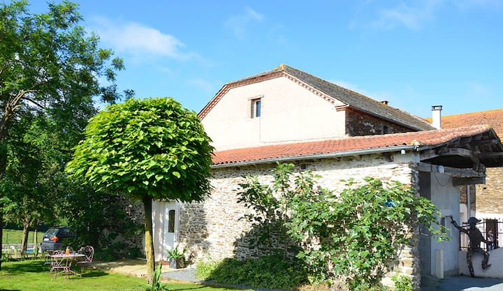 Villa with 5 bedrooms in Sérénac, with private pool, furnished garden and WiFi
