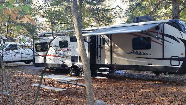 Glamping Fully Equipped RV- Near James River
