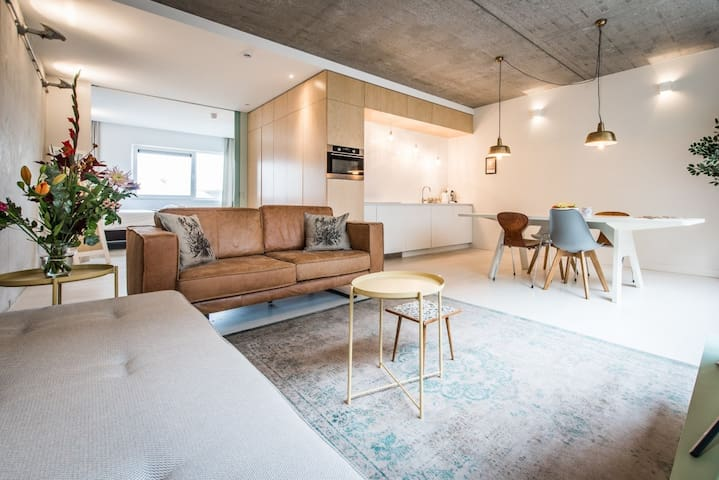 Gorgeous 1-Bedroom Apartment in Houthavens for 4 persons