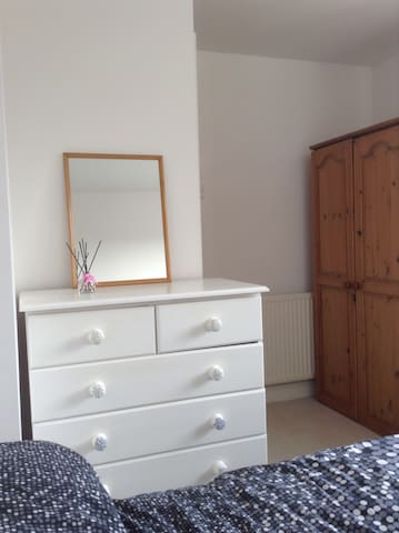 Double room, with parking and close to city.