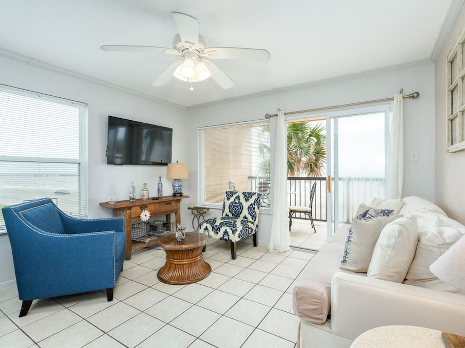 Queen-size sleeper sofa and 2 chairs (seating for 5) in the living room