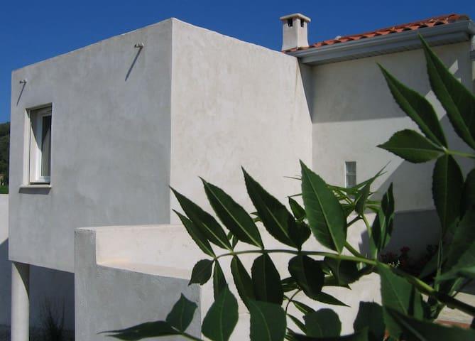 Maison dans site magnifique au nord de l'Hérault