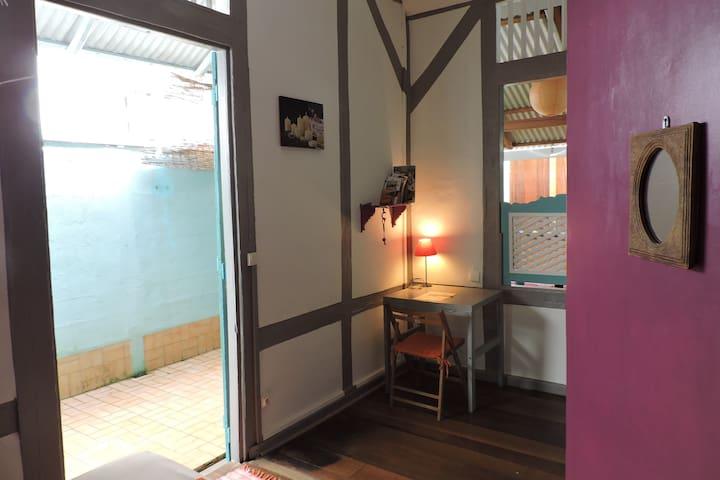 Chambre dans maison typique créole