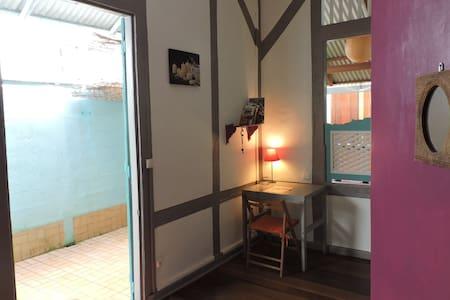 Chambre dans maison typique créole - Cayenne