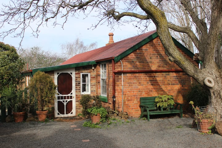 Solomon Cottage