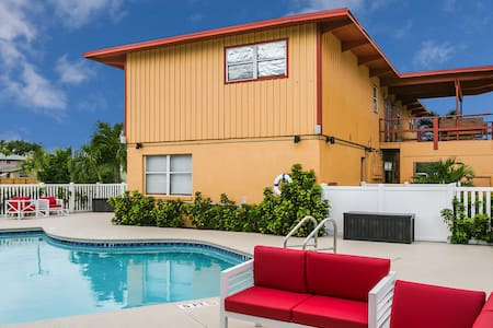 2/1 Hutchinson Island Pool WIFI No Fees Sleep 6, A
