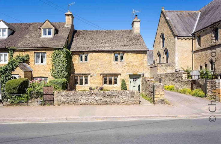 Welcome to Grade II listed Chapel Cottage, in the famous Cotswold village of Bourton-on-the-Water