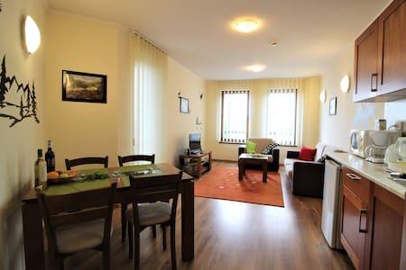Pine Tree Apartment D34, Cedar Lodge 4