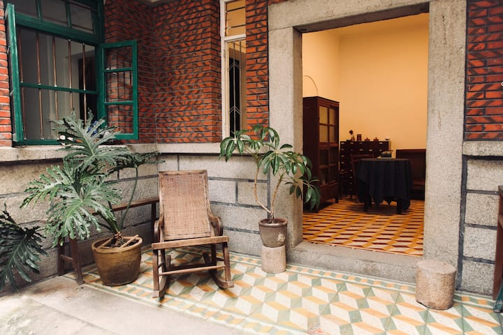 可观东西双塔的独栋闽南传统小院/西街开元寺旁
